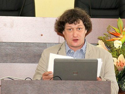 Борис Гладарев. О синдроме «публичной немоты»