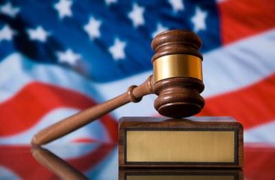 Правовое государство – это когда решением местного суда можно приостановить действие и даже отменить указ Президента страны