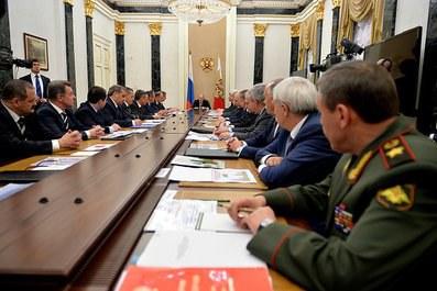 Путин чувствует дыхание революции?