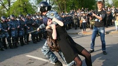 Четверть миллиона подписей против попытки узаконить полицейский произвол
