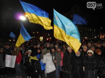 Евромайданы, пусть не многотысячные,  и на востоке Украины также