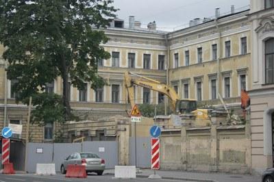 Одиночные пикеты в защиту дома Мордвиновых