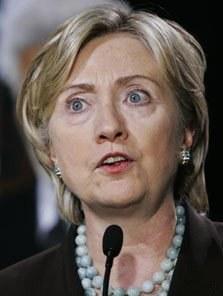 Все же вероятнее, что первой на финише президентского марафона будет Хиллари Клинтон