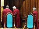 СПбГУ оправдывается и обещает свободу зарубежной деятельности - для гуманитариев