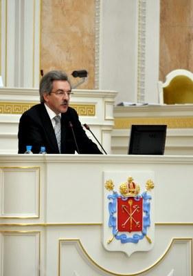 Омбудсмен о соблюдении прав и свобод человека в Петербурге в 2012 году