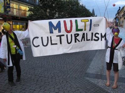 Кризис мультикультурализма: в единой Европе нет единого решения