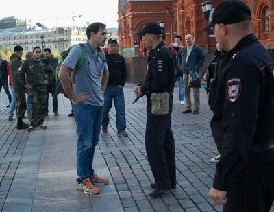 Дмитрий Монахов задержан в Москве за антивоенный протест