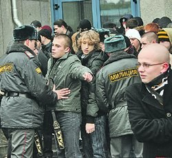 Правозащитный совет требует соблюдения прав призывников