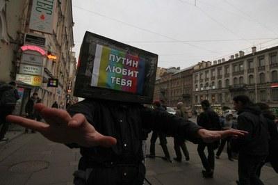 """Акция """"Весны"""" против оболванивания телезрителей"""