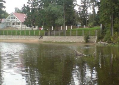Пикеты против захвата озер