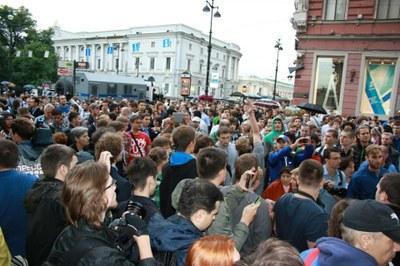 Петербург против ареста Навального и Офицерова