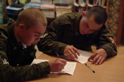 Правозащитники и омбудсмен разошлись в оценках весеннего призыва в Петербурге