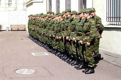 """""""Солдатские матери"""": в Петербурге устраивают облавы на призывников"""