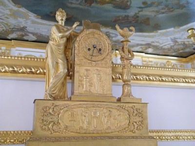 Немецкие мастера привели в рабочее состояние музейные часы