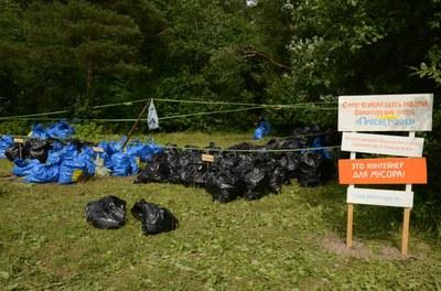 """Лагерь """"Просвет"""": на озерах в Токсово мусор собирали отдельно"""