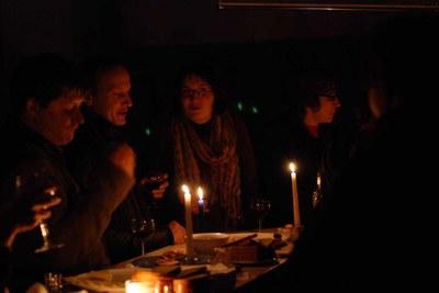 Социологи при свечах -2