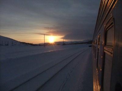Вечер. Поезд. Огоньки. Дальняя дорога...