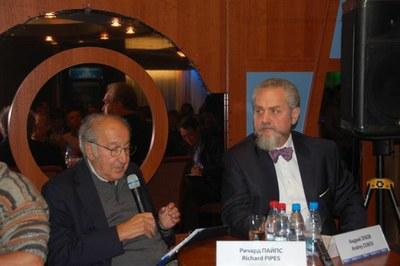 Встреча с историком Андреем Зубовым