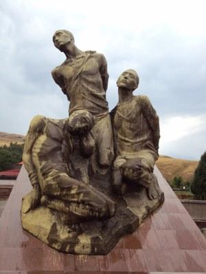 Мемориал Ата-Бейит: Кыргызстан закрывает возможность диалога с советским прошлым