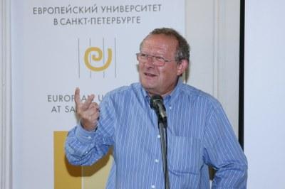В Петербурге Михник напомнил о визите Путина в Польшу
