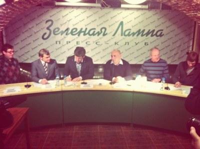Оппозиция готовит масштабную коалицию на муниципальных выборах в Петербурге