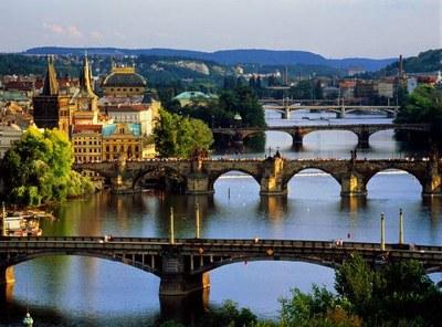 Исторические города в эпоху глобализации: Петербург в сравнительной перспективе